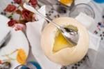 Soft-boiled ostrich egg © Quentin Gaudillière
