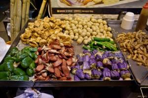 Piments fourrés, saucisses et aubergines © Quentin Gaudillière