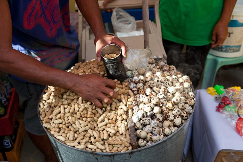 Cacahuètes et oeufs de caille © Quentin Gaudillière