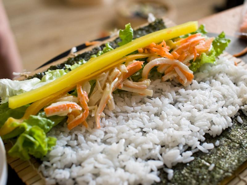Déposez vos ingrédients sur le riz... © Quentin Gaudillière