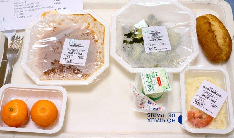 Un plateau-repas d'hôpital assez correct © Julien Morello