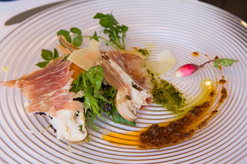 Salade roquette, parmesan, champignons et radis © Camille Oger