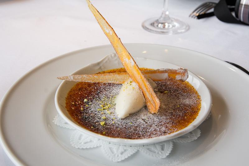 Crème brûlée orange et crème glacée cardamome © Camille Oger