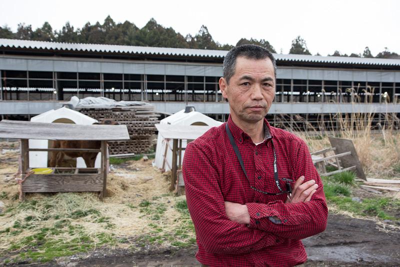 Monsieur Okamura devant son ranch © Camille Oger