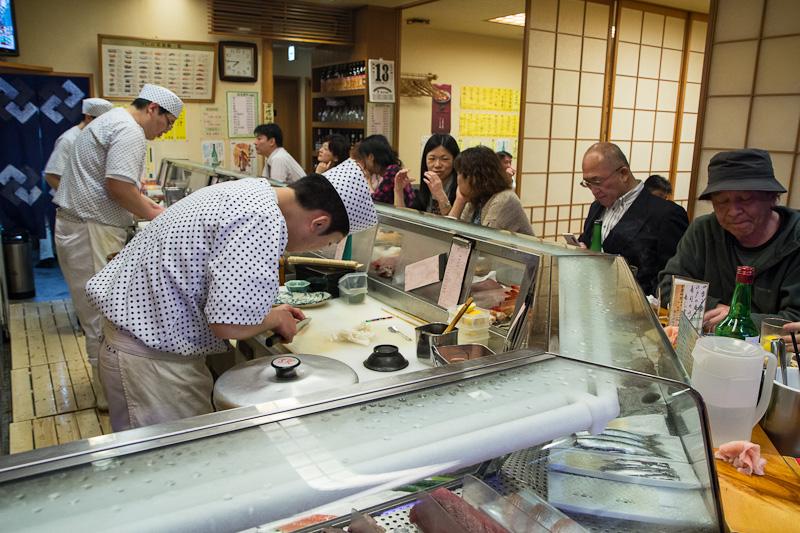 La salle de Sushi Ko, vue du comptoir © Camille Oger