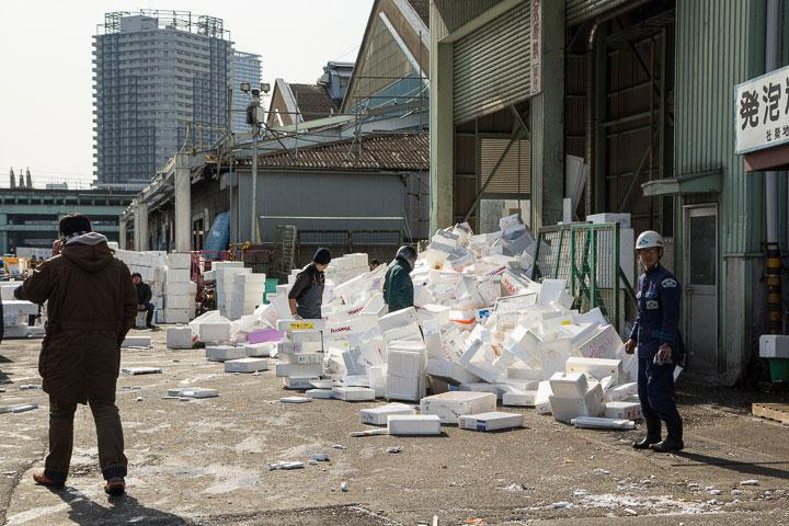 Désordre habituel de Tsukiji © Camille Oger