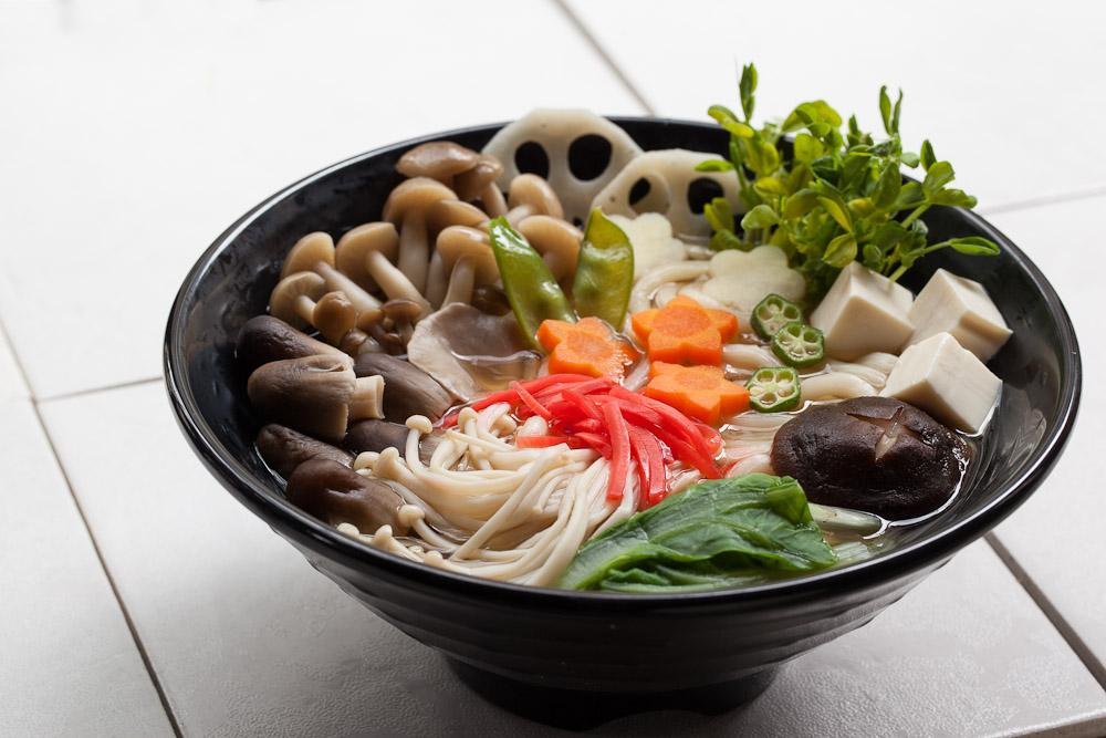 kinoko udon soupe de nouilles aux champignons le manger. Black Bedroom Furniture Sets. Home Design Ideas