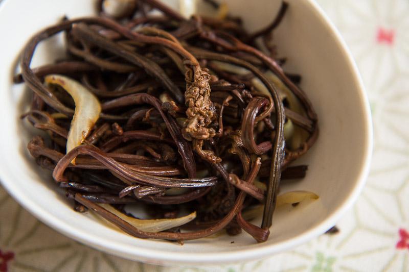 Fougères à la coréenne ou gosari namul © Camille Oger