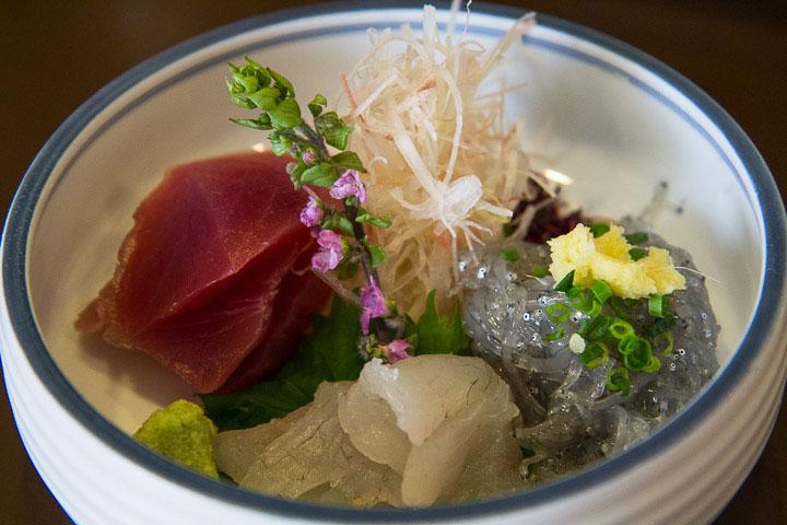 Sashimi de shirasu © Camille Oger