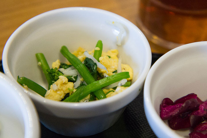 Salade au chirimenjako © Camille Oger