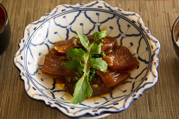 Carpaccio de thon, sauce sésame © Camille Oger