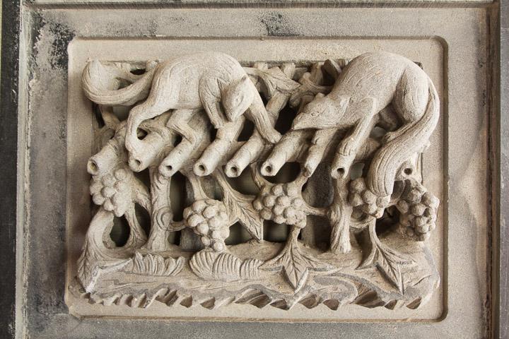 Bas-relief du temple de Shili, avec des raisins © Camille Oger