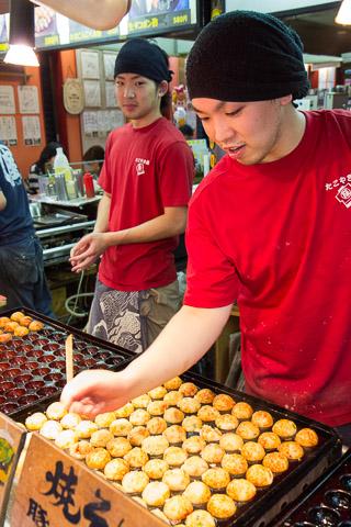 Stand de takoyaki, Osaka © Camille Oger