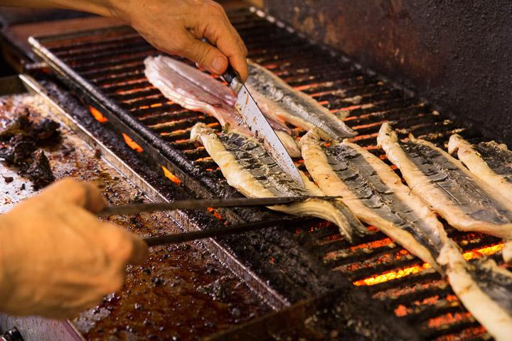 Cuisine d'un restaurant spécialiste des anguilles, Hiroshima © Camille Oger