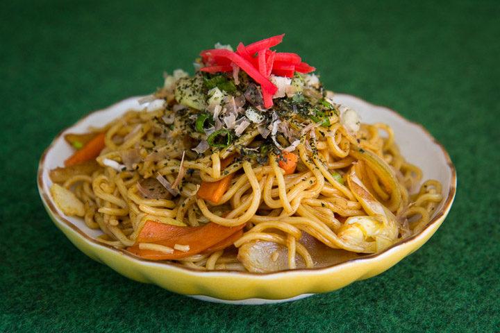 Yakisoba, nouilles sautées à la japonaise ©Camille Oger