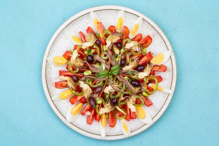 Salade niçoise contemporaine ©Camille Oger