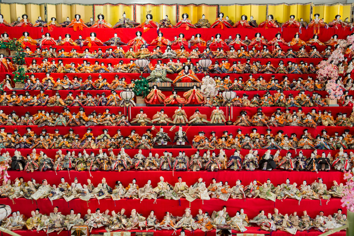 Poupées exposées pour Hinamatsuri ou hina-ningyō © Camille Oger