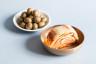 Olives et kimchi, pour notre livre L'art de la fermentation © Camille Oger
