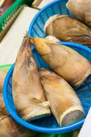 Pousses de moso au marché, Japon © Camille Oger