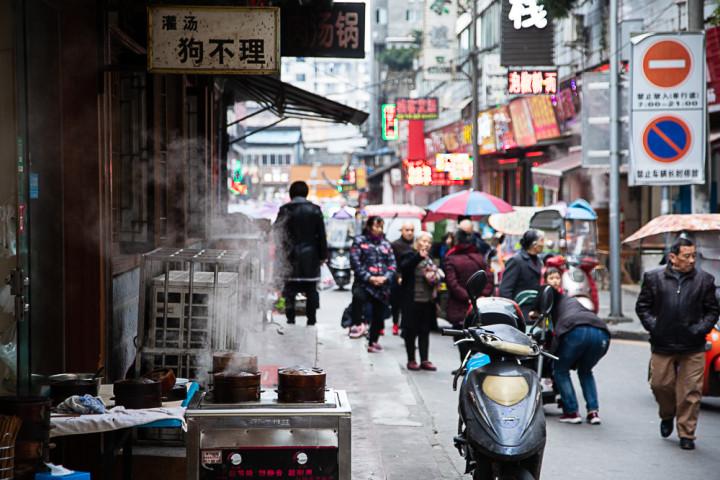 L'odeur des paniers vapeur à Langzhong, avant le coronavirus © Camille Oger